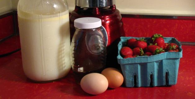 strawberry-milk-shake-ingredients-header1