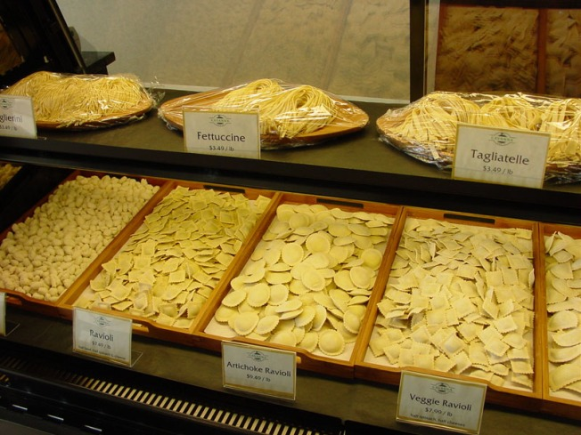 Cavanna Pasta display