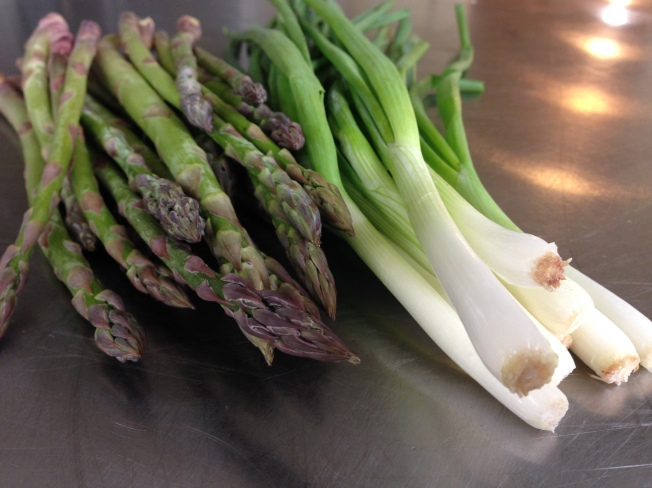 Heavens Edge Farm asparagus and Thistledowne Spring Onions May 2014 (8)